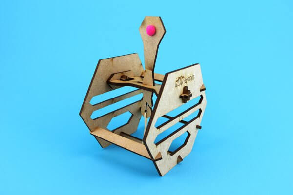 The Inventors in a Box Arquimedes Catapulta